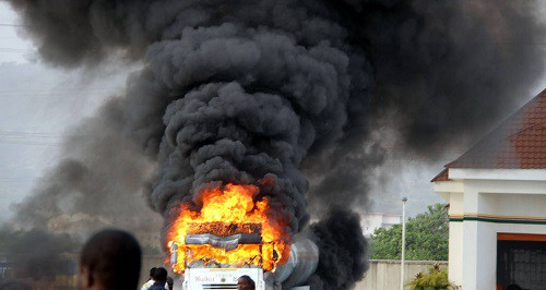 NNPC-filling-station-on-fire-2-1